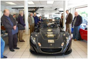 Admiring glances at the JPS Lotus 2-Eleven